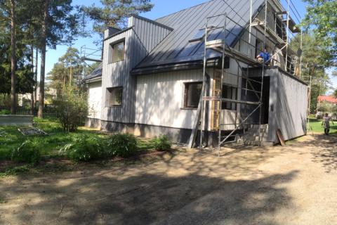 Metsa-katu, Nõmme – omakotitalon puujulkisivun rakentaminen